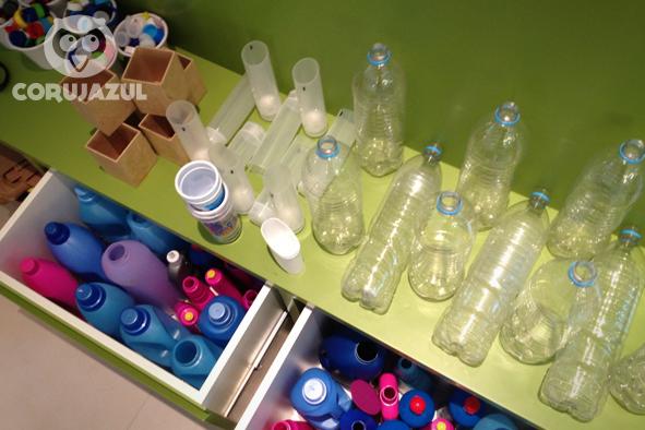 Oficina de brinquedos com material reciclado no empreendimento imobiliário DUO Morumbi.